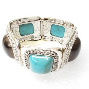 NWT Chunky Turquoise Bracelet Silver Stretch